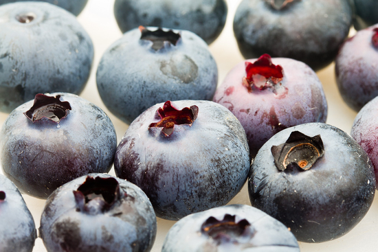 Blueberries are delicious and easy to eat on the road. Photo credit: Roger H. Goun/Flickr/CC